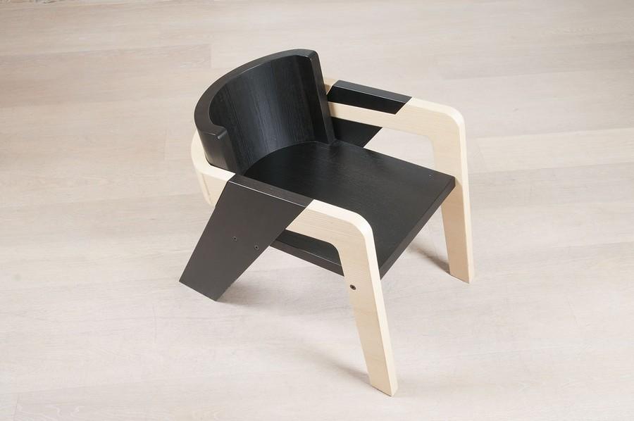 moderna stolica crna