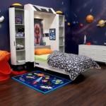 Dječji krevet u obliku svemirskog broda