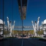 Spektakularna skulptura ispred Porsche muzeja