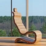 Pogledajte kako od drvenih letvica nastaju unikatne i udobne stolice