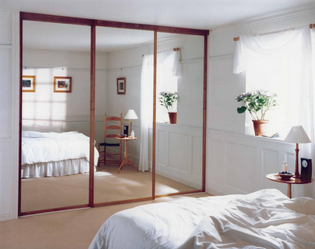 chic-sliding-doors-design-of-mirror-sliding-doors-on-mirror-closet-doors-stanley-sliding-bedroom-for-interior-nice-bedroom-doors