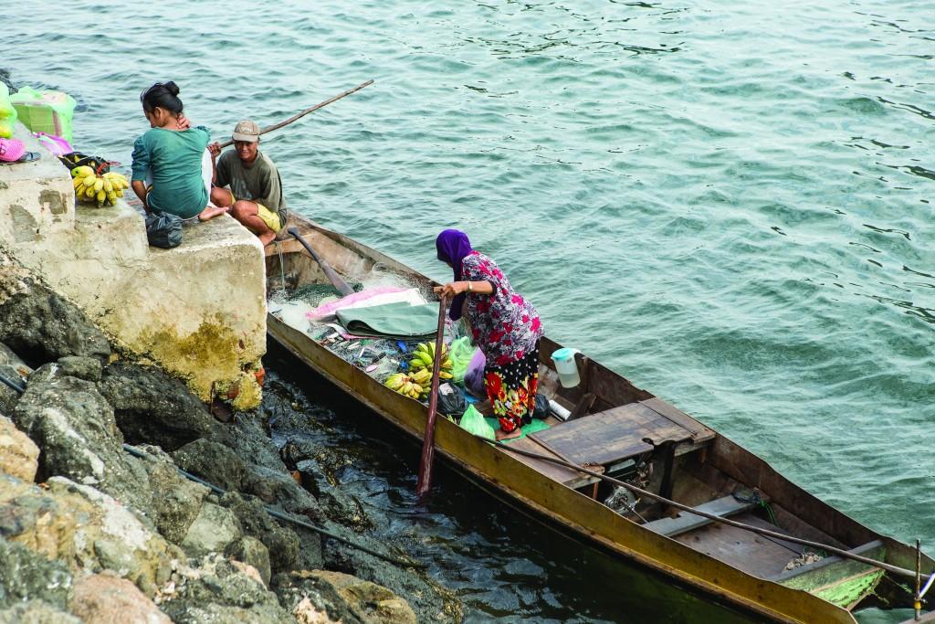 Ribar sa porodicom u nabavci