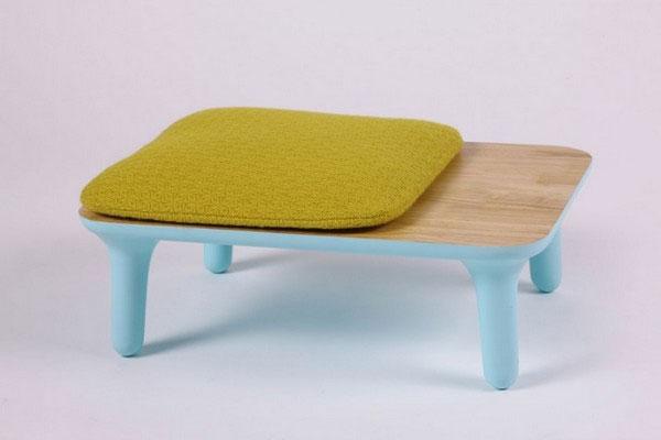 niski sto i stolica jovana bogdanovic