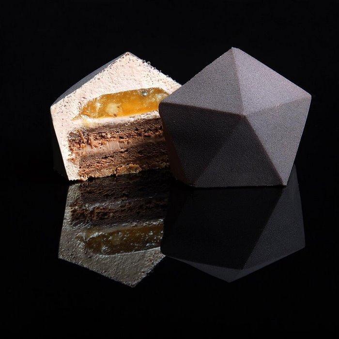 geometrijski-kolac geometrijska torta