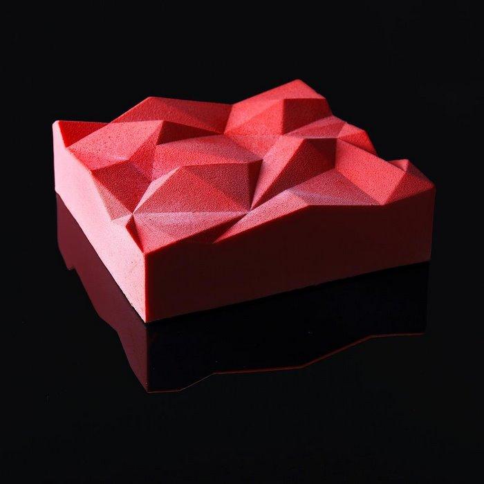 kolac-crveni