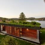 Sjajna montažna kuća sa baštom na krovu