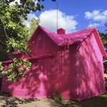 Poljska umjetnica kuću prekrila heklanjem
