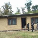 Povoljno i zdravo: Par iz Bijeljine gradi kuću od slame
