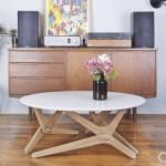 Sjajan stolić koji se pretvara u trpezarijski sto