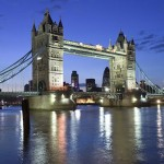 Zatvoren londonski Tower Bridge