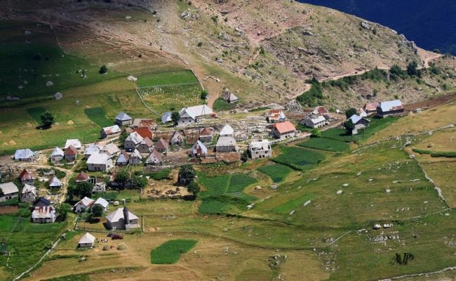 lukomir-autenticno-selo