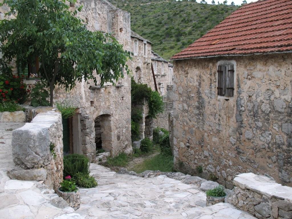 napusteno-hrvatsko-selo