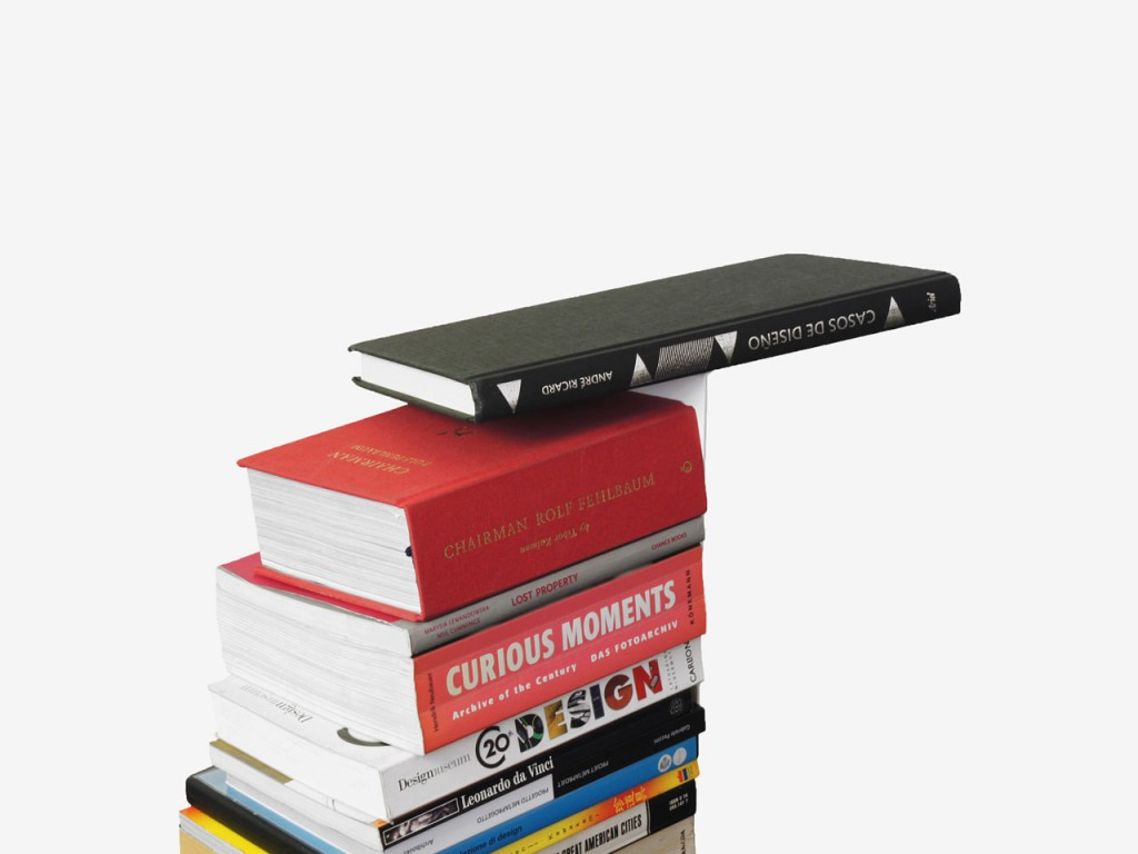 fiction-bookstand-sebastian-bergne-8