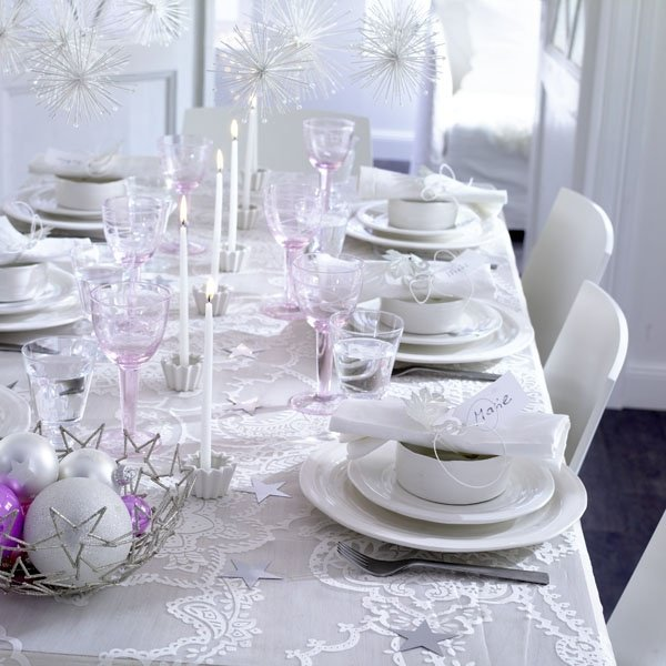 bijele dekoracije za sto
