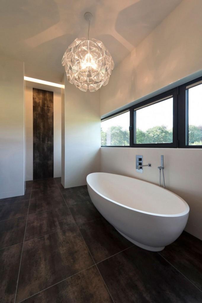 velike-plocice-u-kupatilu-10