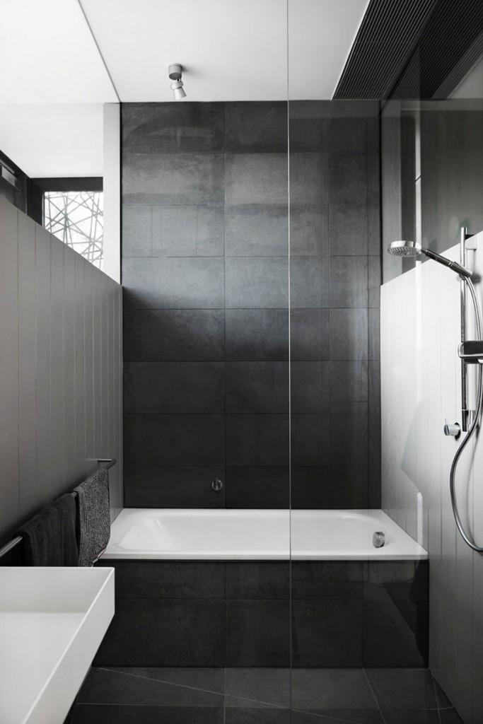 velike-plocice-u-kupatilu-13