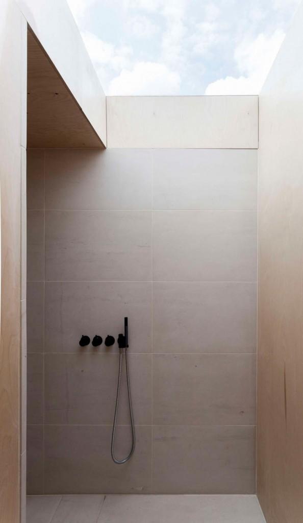 velike-plocice-u-kupatilu-18