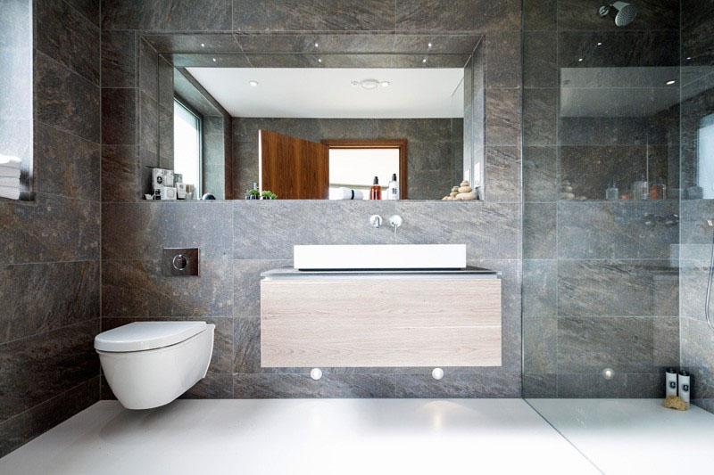 velike-plocice-u-kupatilu-5