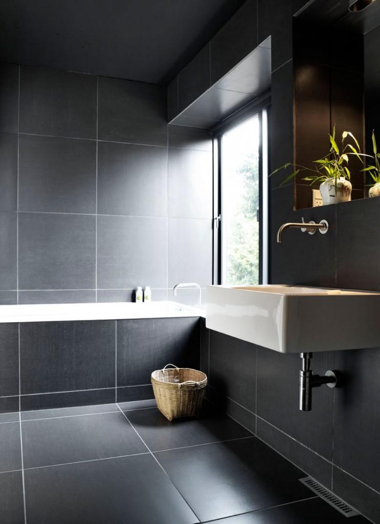 velike-plocice-u-kupatilu-8