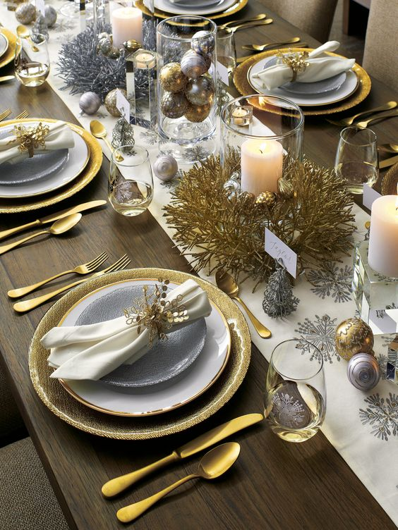 zlatne-dekoracije-su-najsvecanije