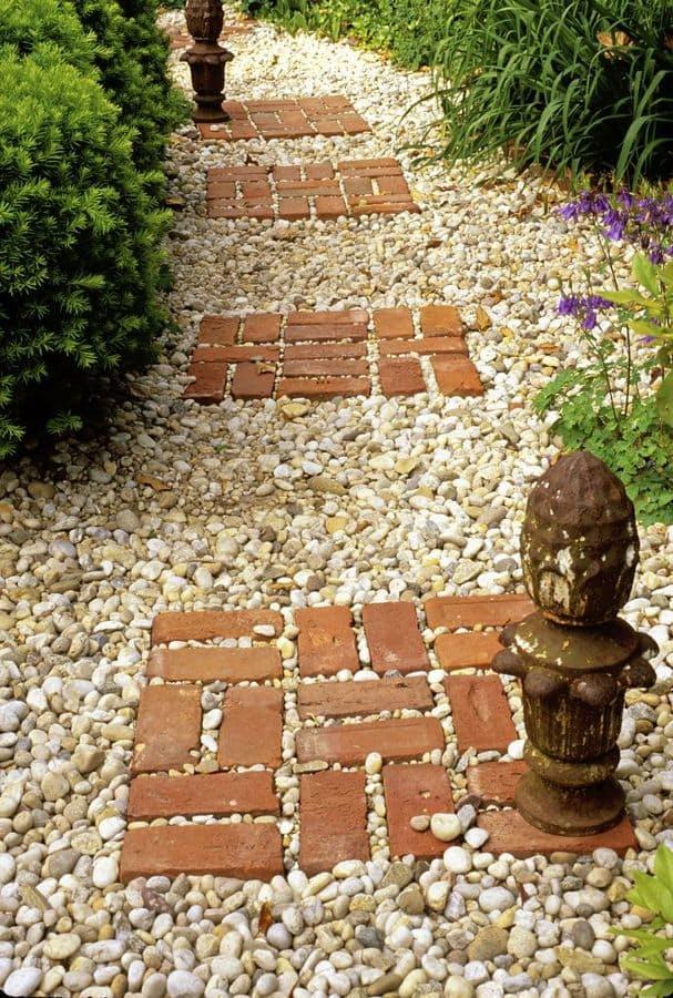 kombinovana staza za dvoriste od sljunka i cigle