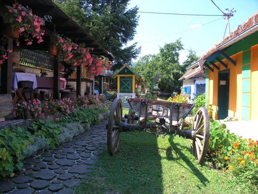 uredjenje dvorista u etno stilu