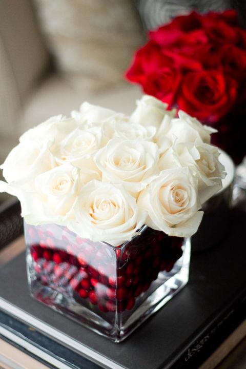 dekoracija za sto bozic vaza