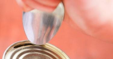 kako otvoriti konzervu pomocu kasike