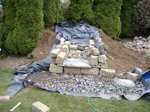 izgradnja fontane u dvoristu