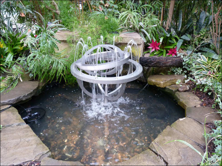 moderna fontana za dvoriste