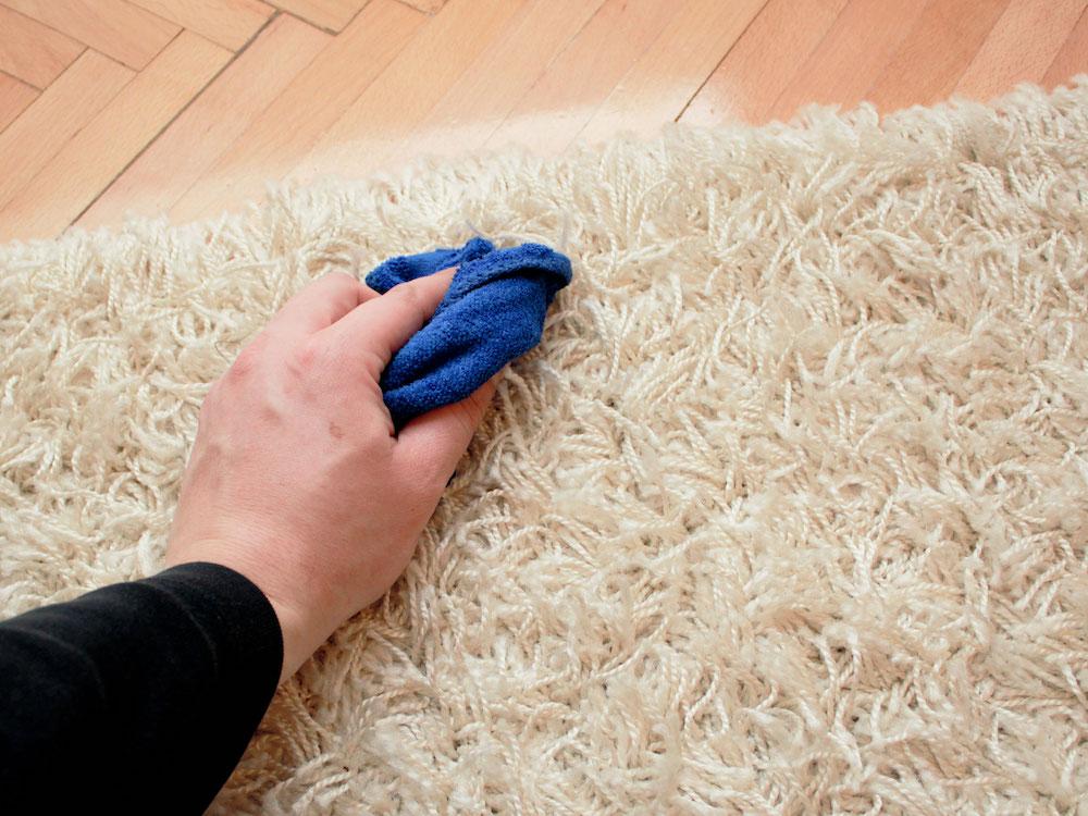 sredstvo za suvo pranje tepiha