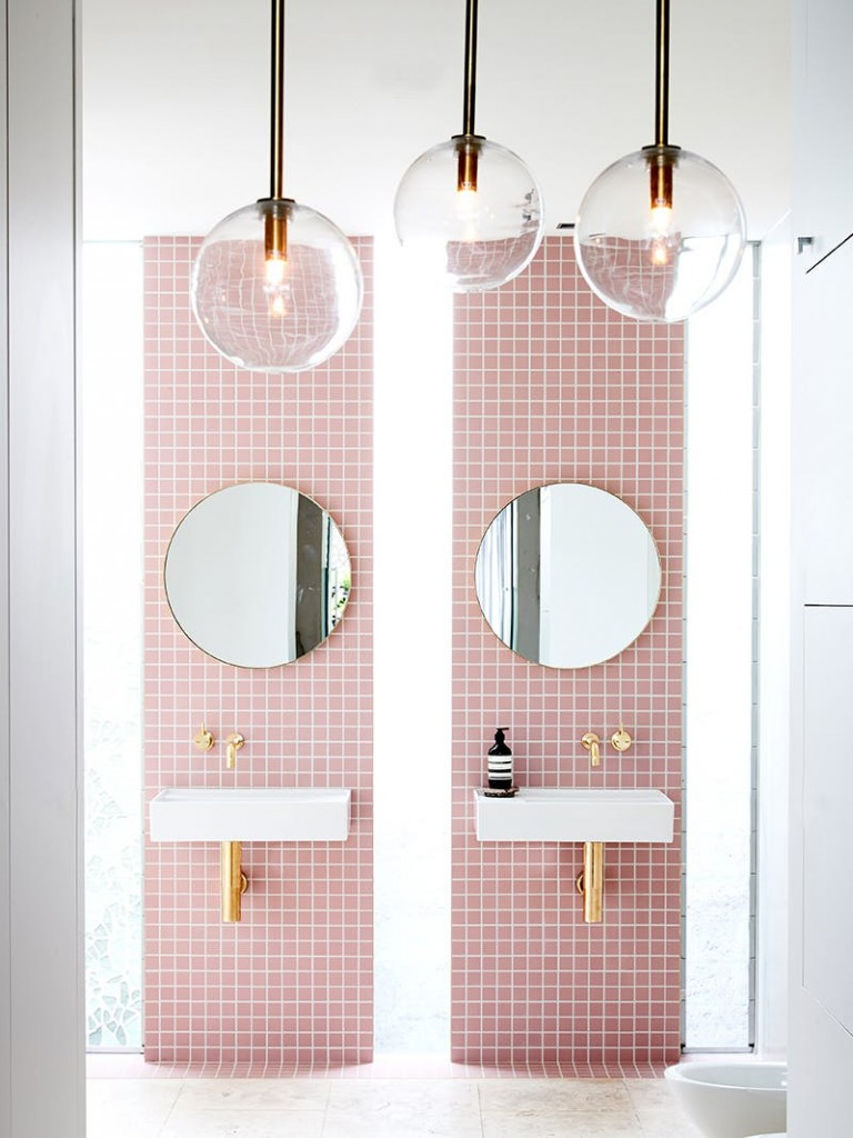 pastelno roza kupatila