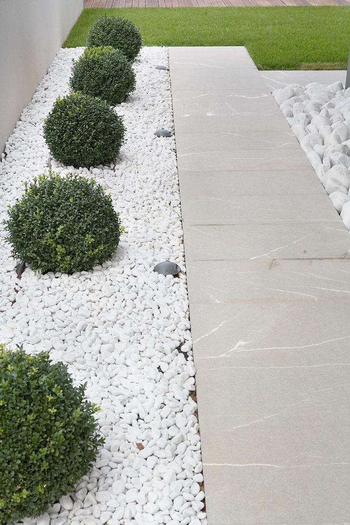 kamene staze u vrtu