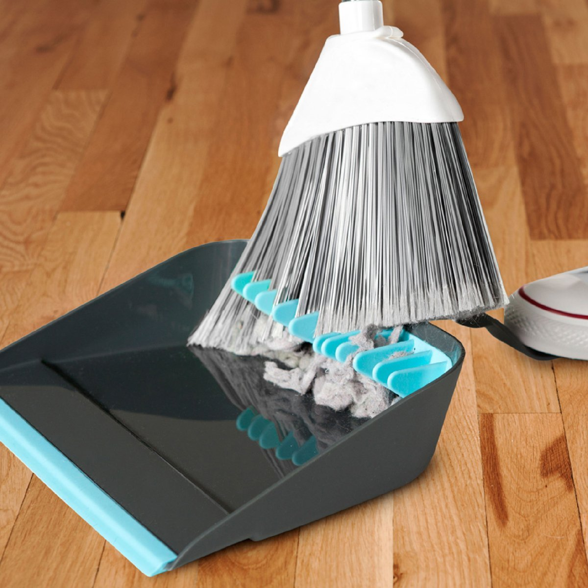 1471372935-lazy-cleaner-broom