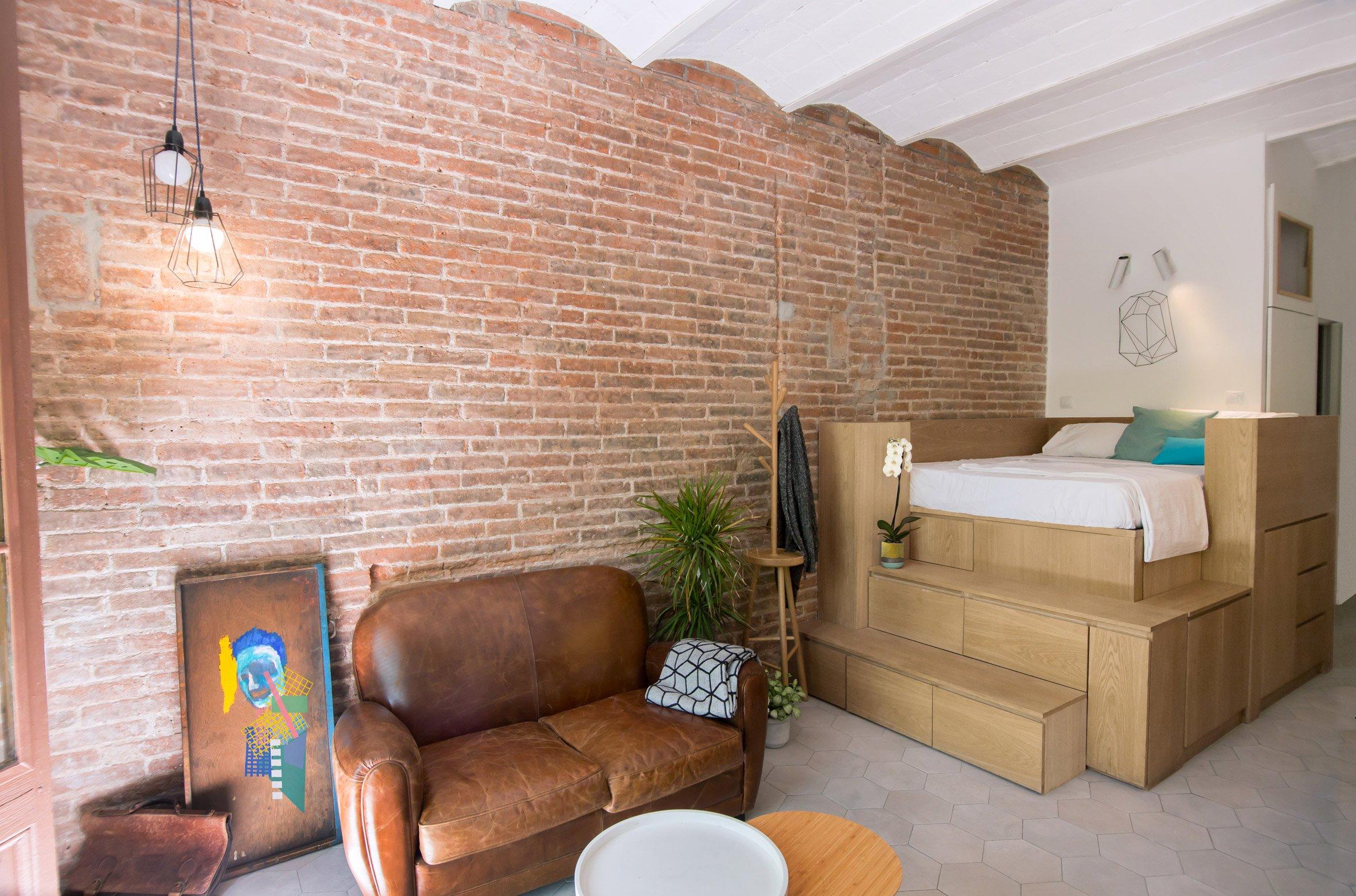 25m2-loft-barcelona-naimi-architecture-interiors-residential_dezeen_2364_col_2