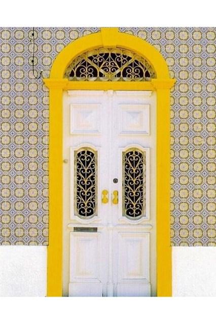 brazilian-door-5-house-25oct16-instagram-houseandgardenuk_b_426x639