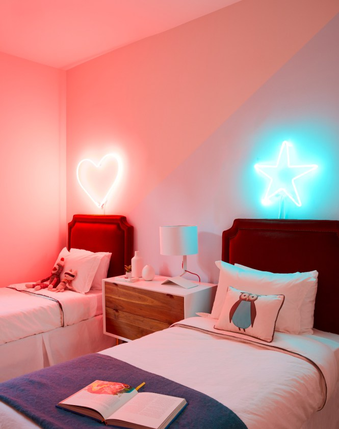 neonske zidne lampe