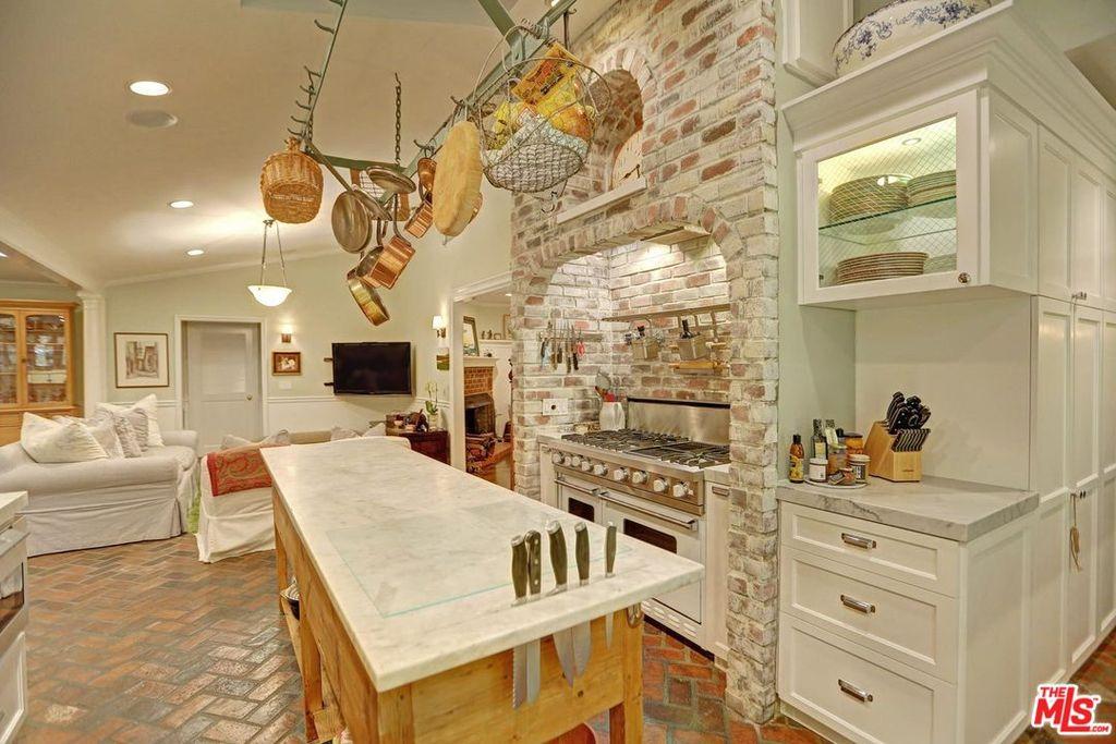 selena gomez kuca kuhinja
