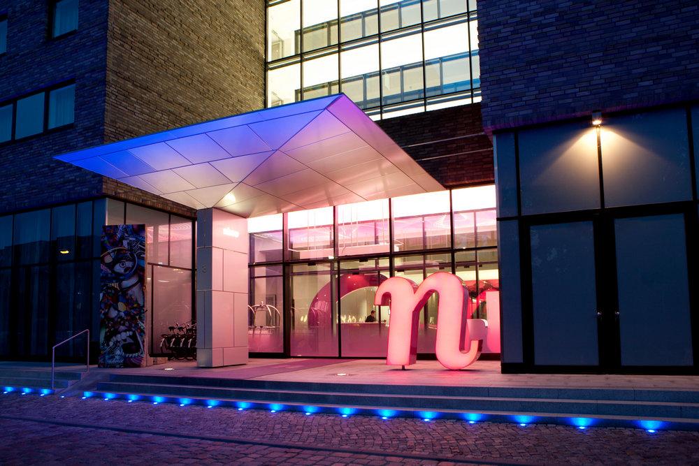 Entrance-facade-nhow-Berlin