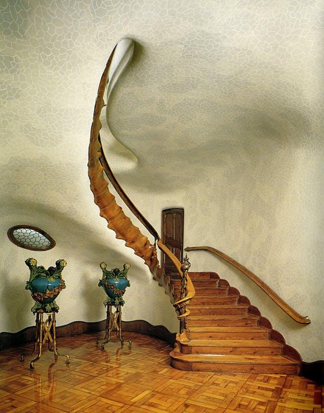 antonio gaudi stepenice