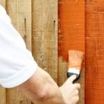 Redovno farbajte drvene ograde