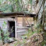 Polusrušena drvena koliba krije jednu od najvećih tajni bivše Jugoslavije