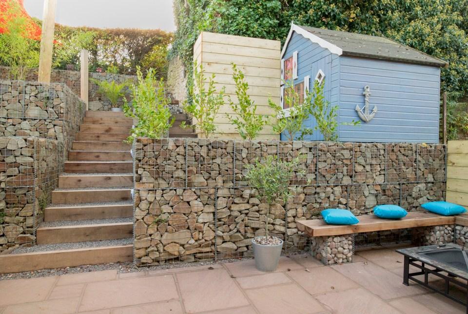 potporni zid u dvoristu od gabiona