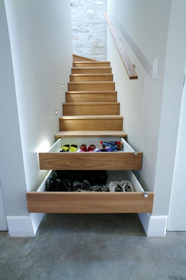 stepenice s ugradnim ladicama