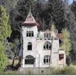 Nekad raskošna vila pored Pala danas je ruševina