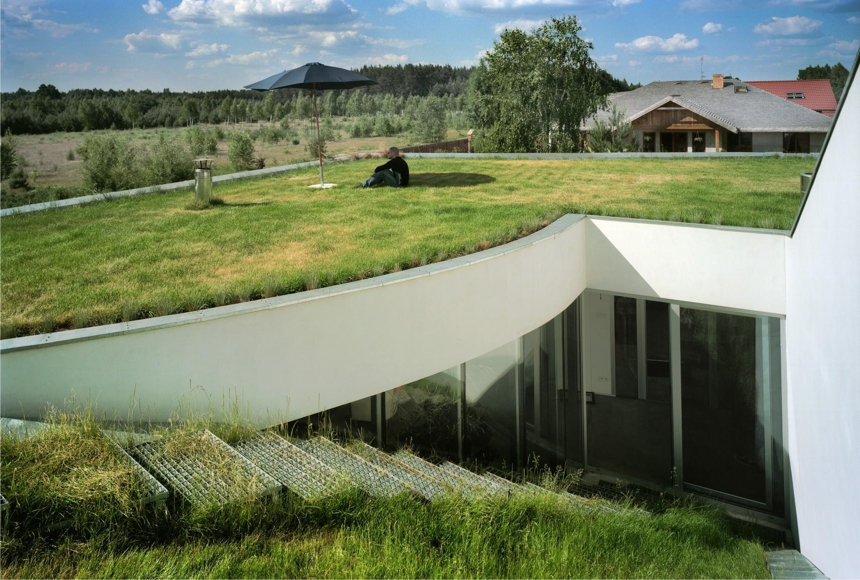 moderna kuca pod zemljom