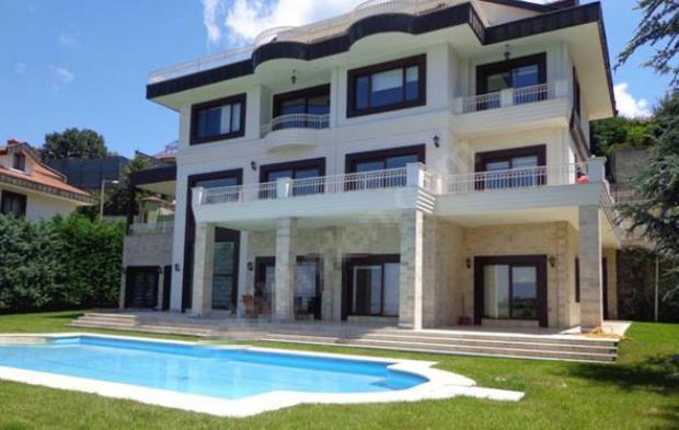 BUrak_Ozcivit_Fahriye_Evcen_House_3