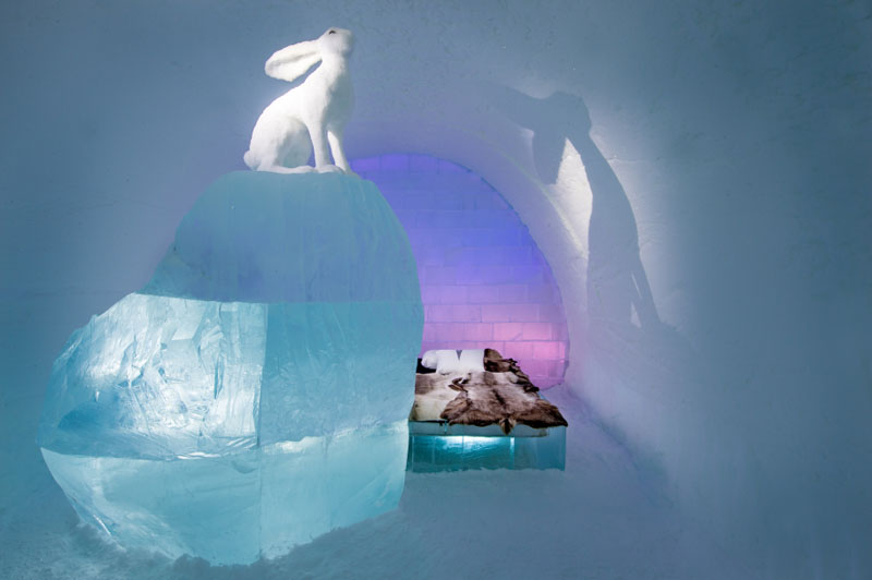 ice-hotel-art-suites-ice-carving-sculpture-191217-1221-09