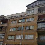 Zeničanin na krovu zgrade napravio kuću!