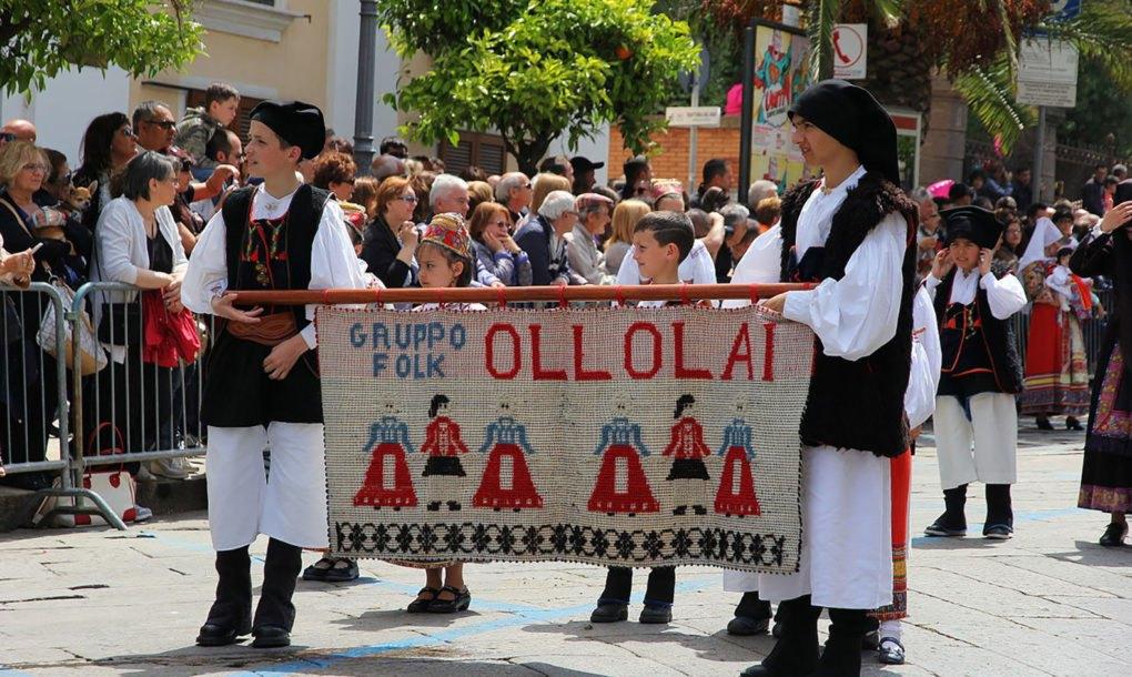 Ollolai-Italy-parade-1020x610